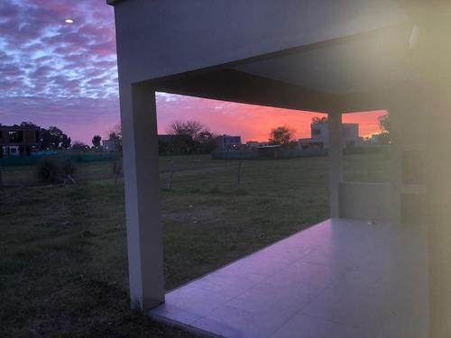 Casa En Venta O Alquiler - Santa Elena - Pilar Del Este
