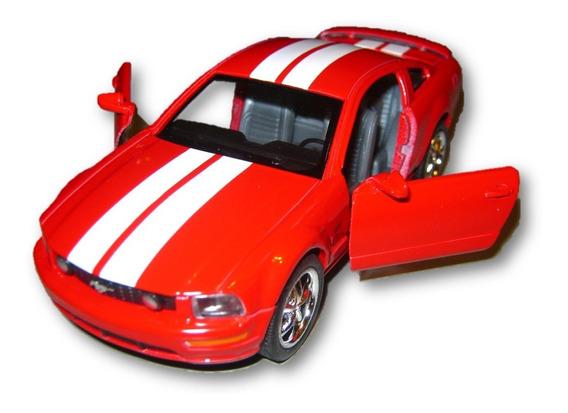 Auto Kinsmart Ford Mustang Gt 2006 Abre Puertas Retrocuerda