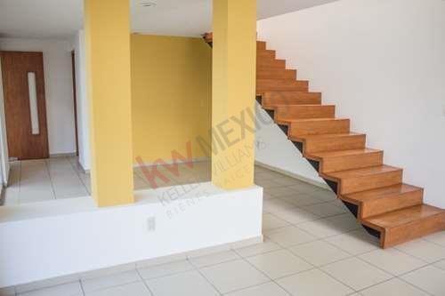 Casa En Renta Con Estudio/habitación En Pb En Villa Magna $12,000.00