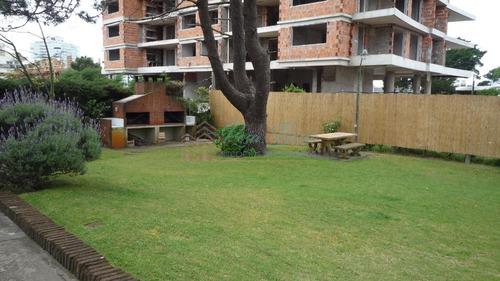 Apartamento En Aidy Grill, 2 Dormitorios *- Ref: 74