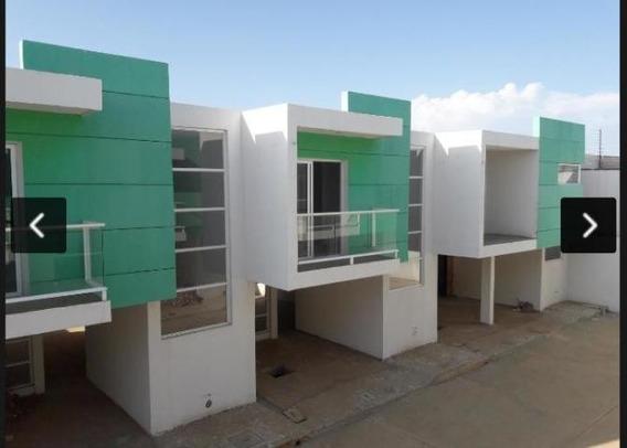 Townhouses En Venta En Maracaibo, Atgt. Mls20-5182
