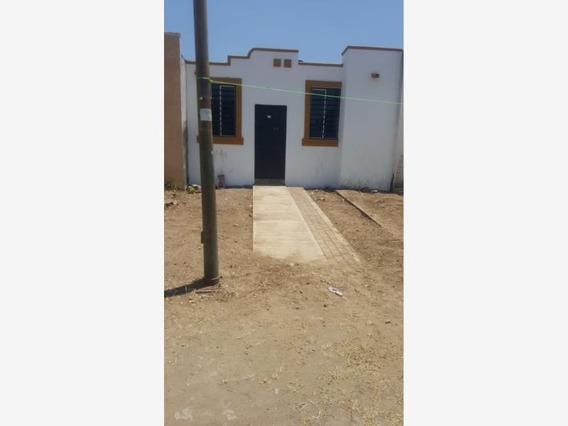 Casa Sola En Venta Parajes Del Sur, Colima, Colima; Abajo De Las Canchas Del Fray Pedro