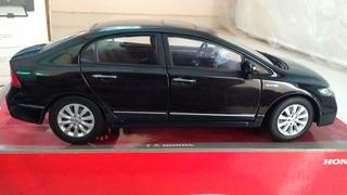 Miniatura Honda Civic 8 Geração Escala 1:18 Black