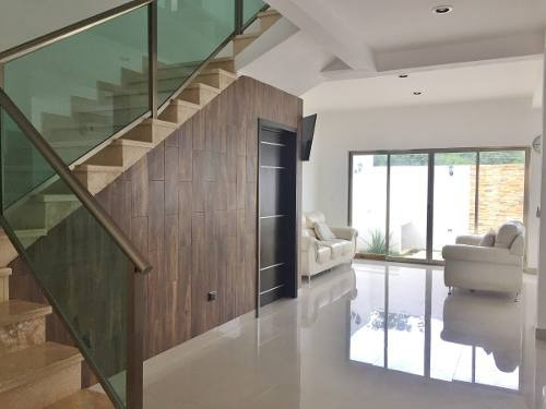 Linda Casa En Residencial Con Casa Club $25,000.00