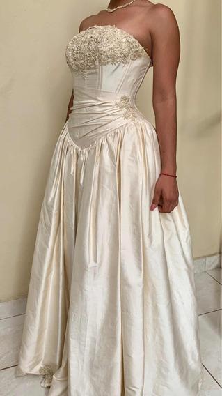 Hermoso Vestido De Quinceañera Detalles De Bordado Y Piedras