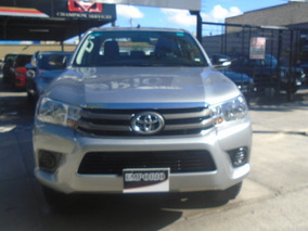 Toyota Hilux 2017 2.7 Doble Cabina Sr (d-cab Mid)