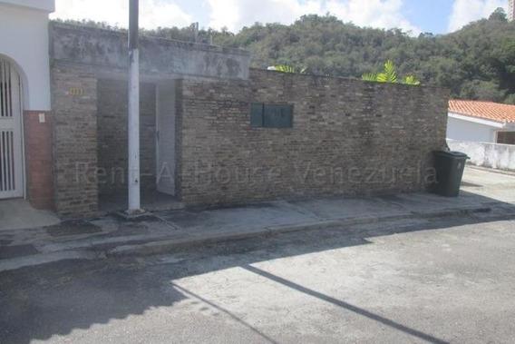 Casa, En Alquiler, Santa Sofia, Caracas, Mls 20-8989