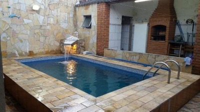 Casa Com Piscina Em Bairro Residencial Em Itanhaem