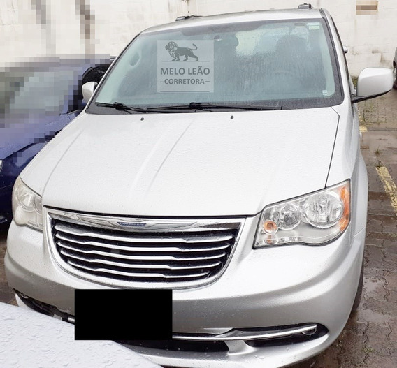 Chrysler Town & Country Touring 3.6 Gás - 11/12 - Automática
