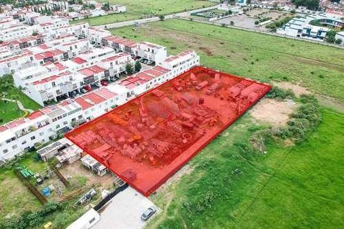 Exclusivo Terreno En Renta En Zona Real Para Fines Comerciales