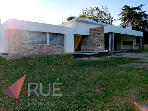 Casa En Venta De 2 Dormitorios En Villa Allende Golf. Zona Norte.con Renta