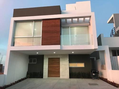 Se Renta Hermosa Residencia En Zibatá, Amueblada, 4ta Recamara, Bar, Roof Garden