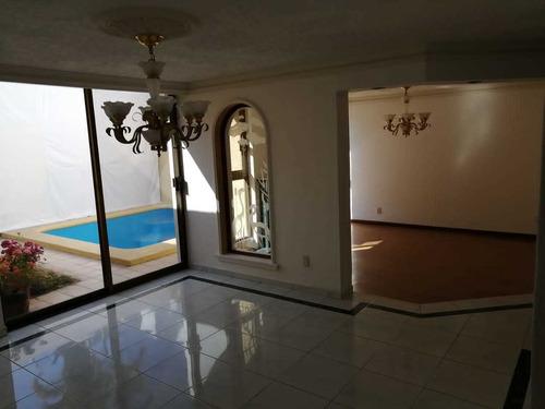 Imagen 1 de 14 de Excelente Casa En Ubicación Privilegiada