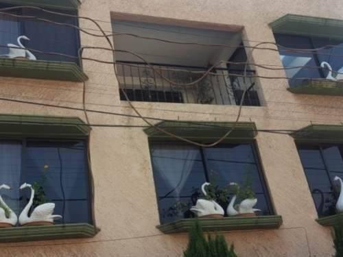 Casa Duplex En Privada Acceso Controlado Y Vigilancia Las 24hrs. A 2 Minutos De Av. Jesús Reyes Hero
