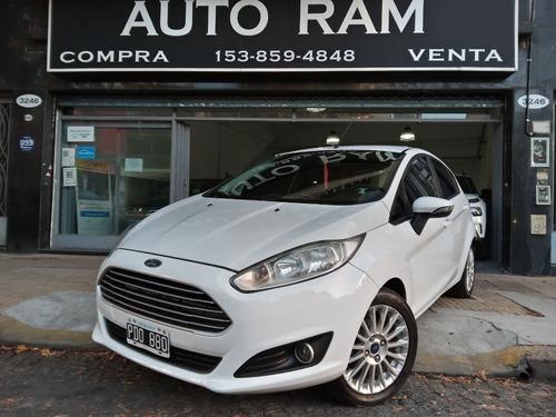 Ford Fiesta 1.6l Se Año 2015 Blanco Permuto Financio