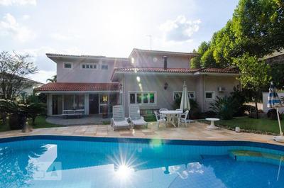 Casa Com 4 Dormitórios E 5 Garagens - Id: 892887335 - 187335