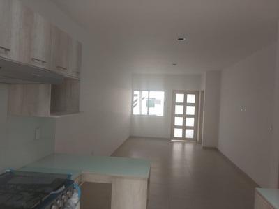 Mes/ Casa En Renta En Corregidora