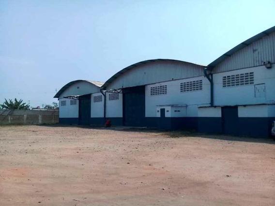 Casa Fuerte Bienes Raices Alquila Galpon Avenida Aeropuerto