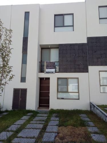 Casa Amueblada En Privada Con Alberca
