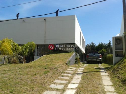 Casa En Venta En Zona Pinares, 2 Dormitorios- Ref: 7069