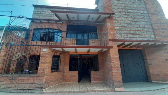 Hermosa Casa En Santa Maria Rayon