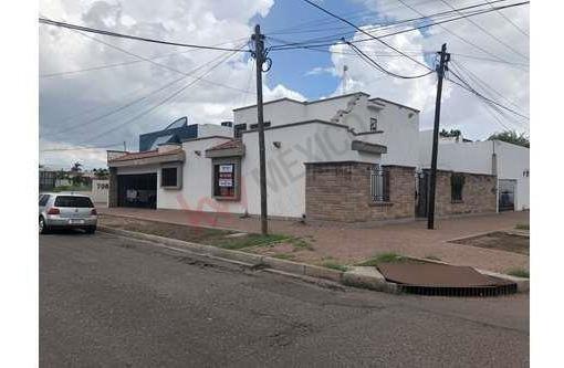 Hermosa Residencia En La Mejor Zona De La Ciudad.