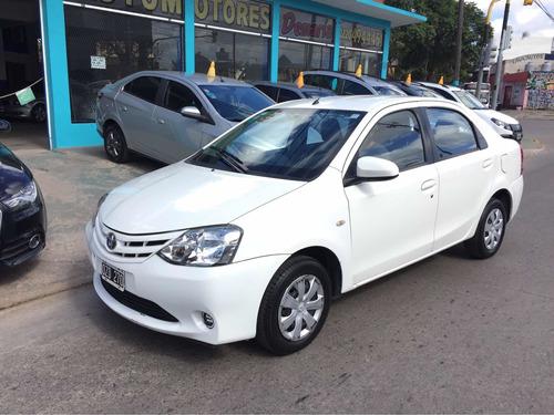 Toyota Etios 2015 1.5 Xs 4 P Con 18.600km