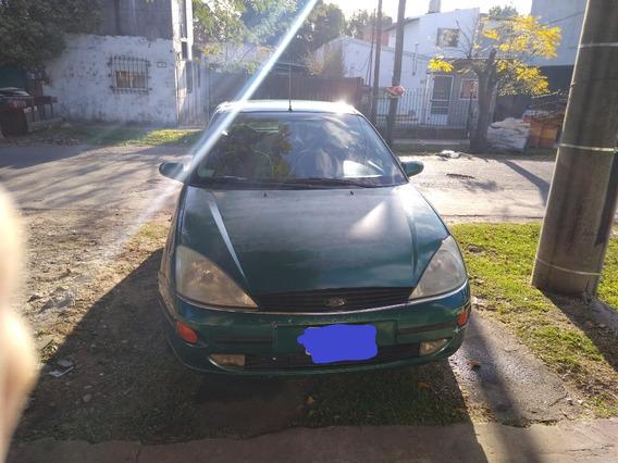 Ford Focus Ghia 2000 2.0