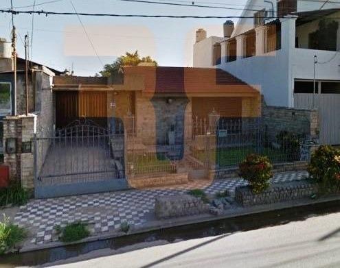 Imagen 1 de 15 de Casa En Venta 3 Dormitorios- Av. Santa Ana 3681