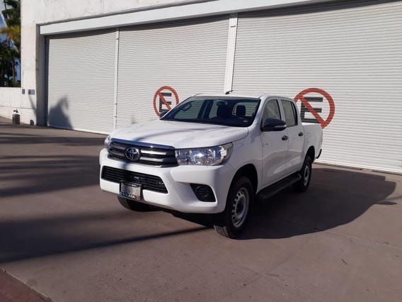Toyota Hilux Base Doble Cabina