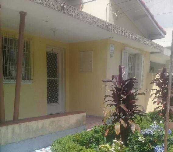 Casas - 2 Dormitórios - 957