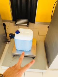 Shampoo Para Perro Concentrado Antipulgas 20lts Veterinario