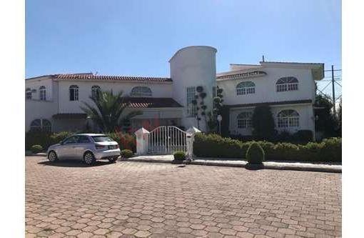 Residencia En Venta, Campestre Del Virrey. Metepec