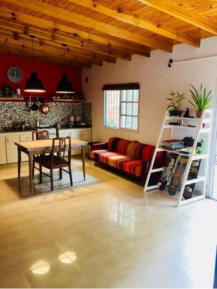 Venta Casa 3 Ambientes Con Gran Fondo Libre