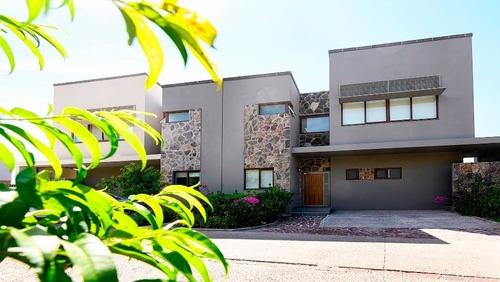 Casa En Renta - Altozano - C1495