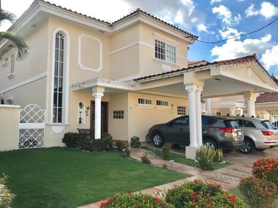Vendo Casa Amoblada En Royal Country, Altos De Panamá 19-700