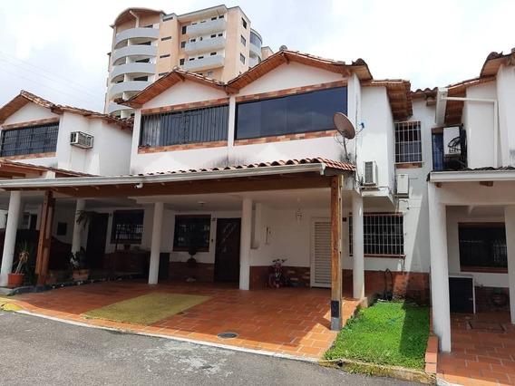 Casa En Las Acacias De 3 Habitaciones Y 2 Baños