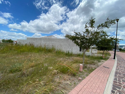 Imagen 1 de 9 de Ciudad Maderas Querétaro, Condominio Fresno 45