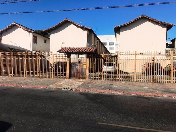 Casa Em Condomínio, Bairro Itapoã. 3 Quartos, Totalmente Reformada, 1 Lavabo,1 Banheiro. Ótima Localização. - 2579