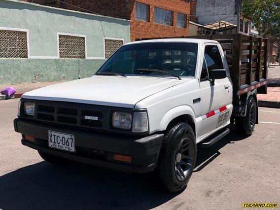 Mazda B-2200 4x2 2200cc Mt Estacas