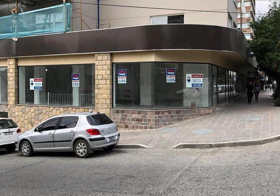Alquiler De Local Comercial En El Centro De Bariloche - San Martin Al 100