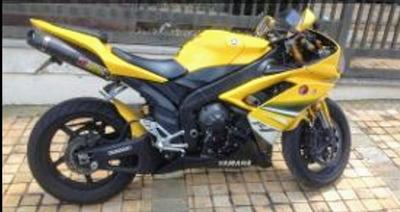 Yamaha - R1 2008 Troco Por Saveiro