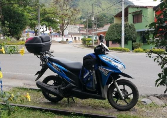 Vendo Hermosa Moto Honda Click Con Baúl
