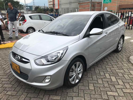 Hyundai I25 Sedán Automático 1.6