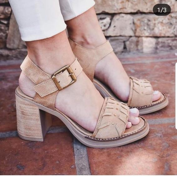 Sandalias Con Pulsera De Cuero Vacuno Combinadas