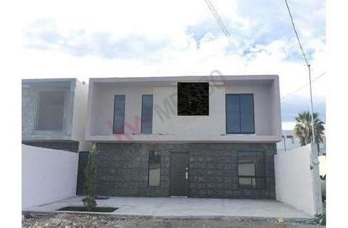 Casa En Venta Al Norte, Muy Cerca De Carretera Monterrey-saltillo