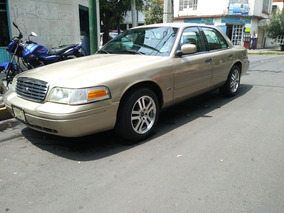 Ford Crown Victoria 4.6 S8a Police Interceptor 4p Mt 2004