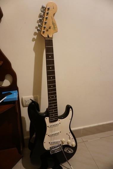 Guitarra Eléctrica Fender Y Amplificador