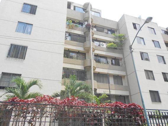 Apartamento En Venta En Urb. Miranda Rent A House @tubieninmuebles Mls 20-19658
