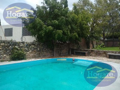 Residencia En Venta Con Alberca, Excelente Precio En Lomas De Comanjilla, León, Gto.